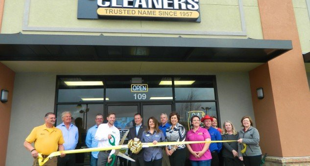 Comet Cleaners Ribbon Cutting